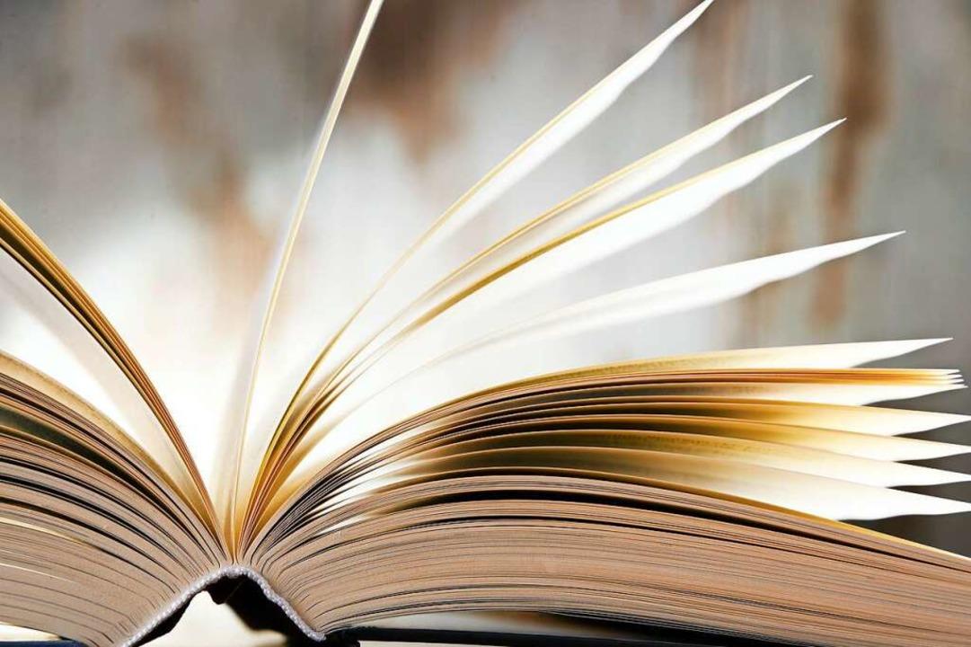 Bücher bieten Kino im Kopf.    Foto: Monticellllo  (stock.adobe.com)