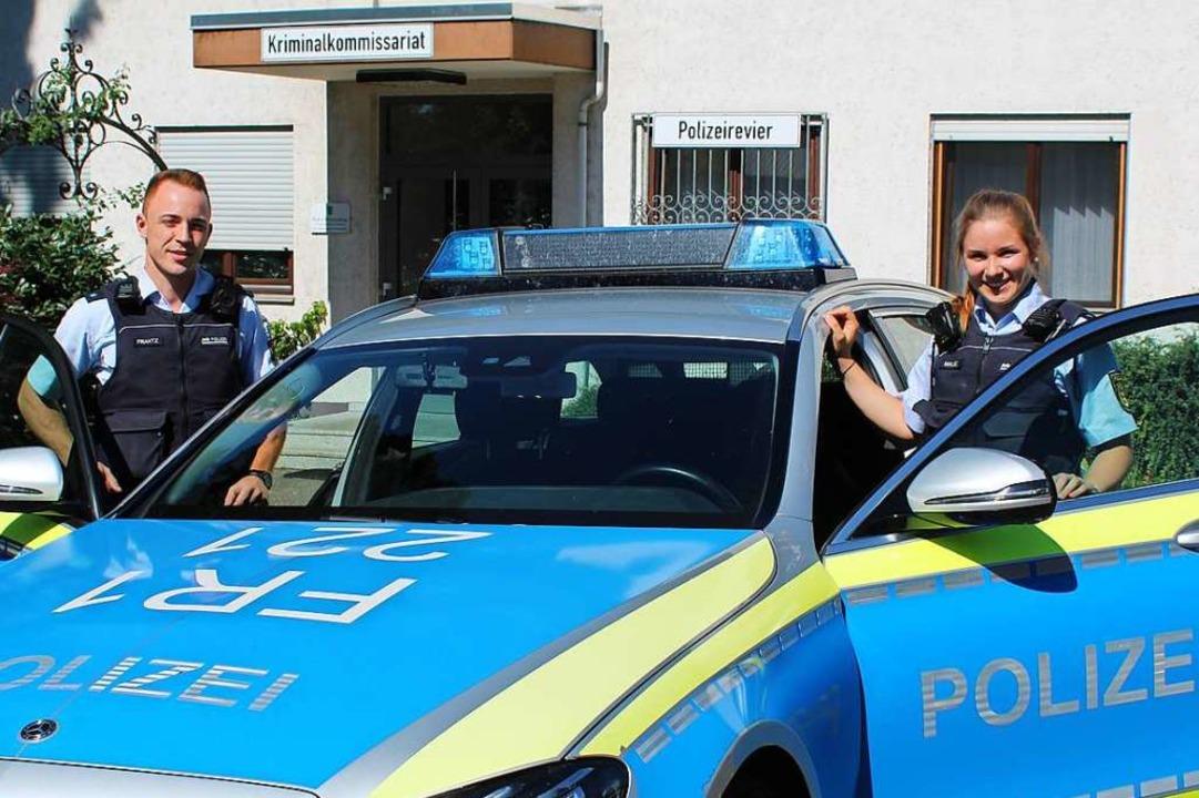 Nils Frantz (links) und Jasmin Miklec ...für einen Praxisblock  in Emmendingen.  | Foto: Annika Sindlinger