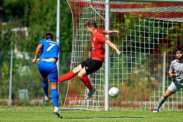 FC Neustadt hat alles im Griff und erzielt erneut vier Tore