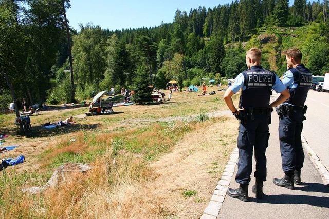 Polizeipräsenz und Hoffnung auf Einsicht an den Badeseen im Hochschwarzwald