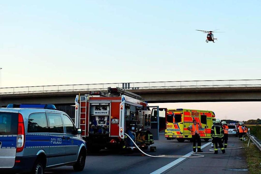 Die Unfallstelle nördlich von Achern: ...i Rettungshubschraubern ist im Anflug.    Foto: Bernhard Margull
