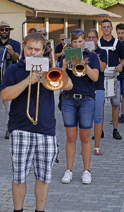 Der Musikverein Öflingen zeigte am Samstag Präsenz.    Foto: Michael Gottstein