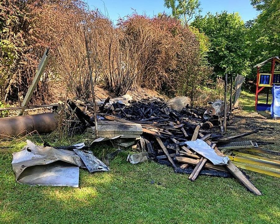 In diesem Garten brannte es.  | Foto: Feuerwehr Gottenheim