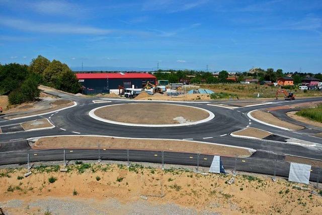 Der Bugginger Kreisverkehr ist bald fertig