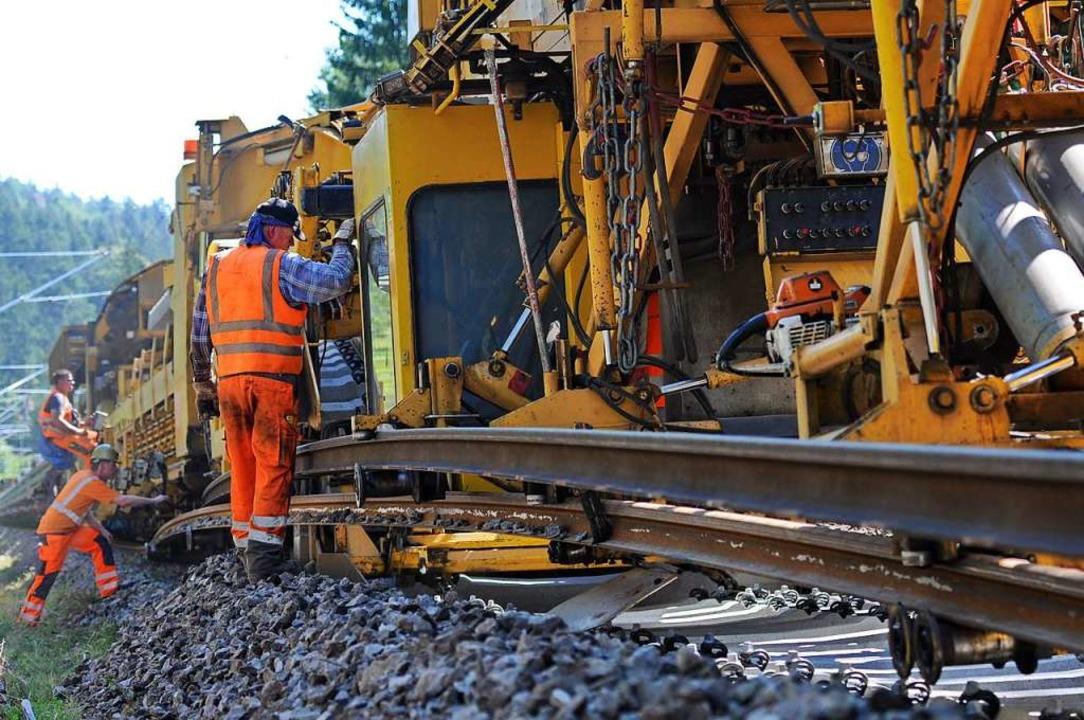 Auf der Bahnstrecke zwischen Löffingen...n werden derzeit neue Gleise verlegt.   | Foto: Philippe Thines