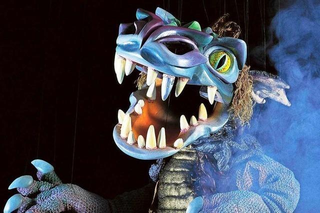 Figurenspieler Gregor Schwank zeigt zum Jubiläum viele seiner 200 Marionetten