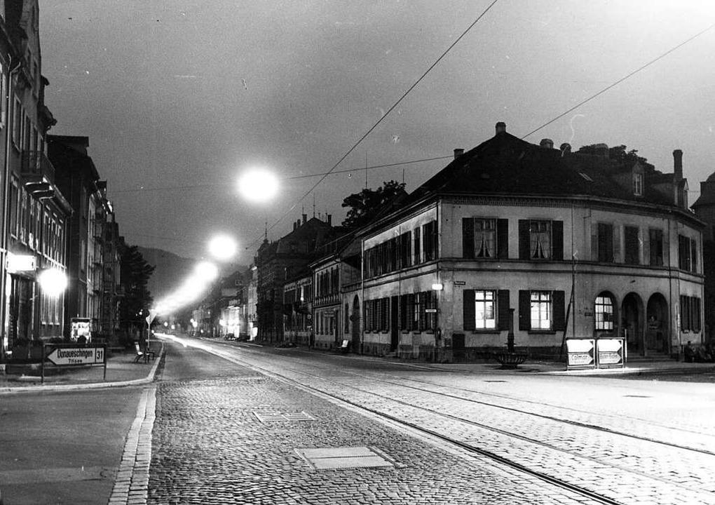 Trotz Kahlschlag noch stimmungsvoll: D...des alten Zollhauses (rechts im Bild).  | Foto: Archiv Vistatour