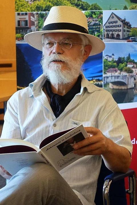 Autor Markus Manfred Jung las für jede...nen passenden Text aus seinen Büchern.  | Foto: Roswitha Frey