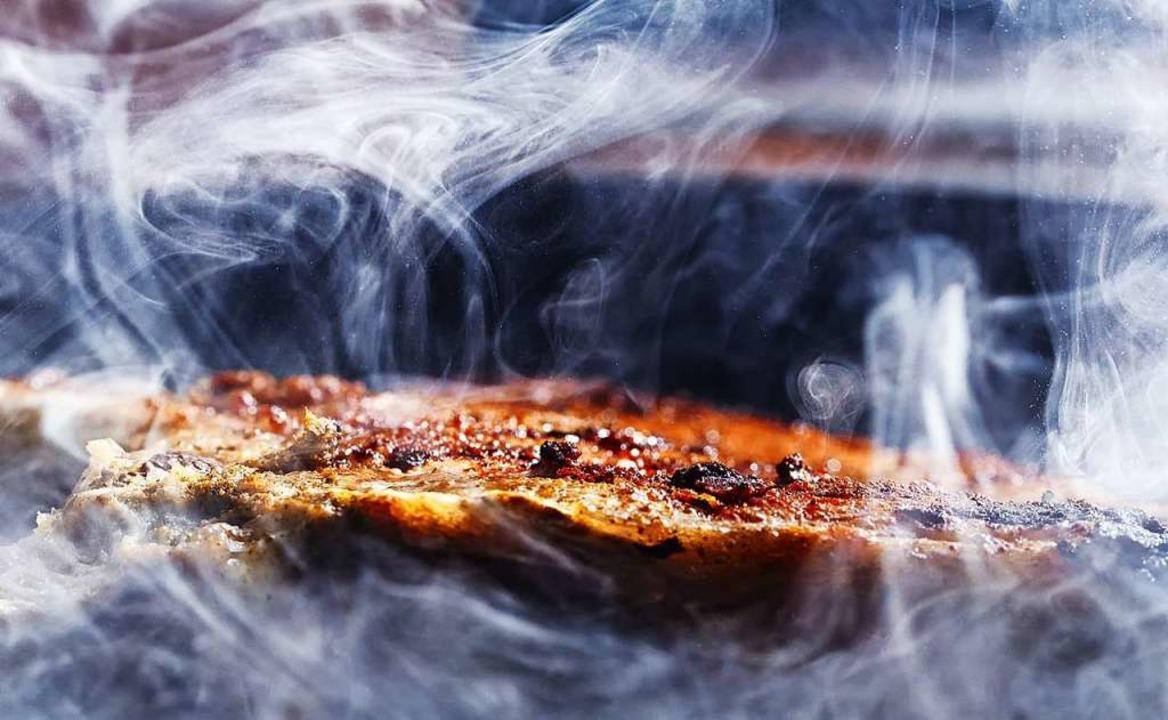 Der Rauch eines Grills löste in Lörrach Feueralarm aus.    Foto: Olga Soloveva