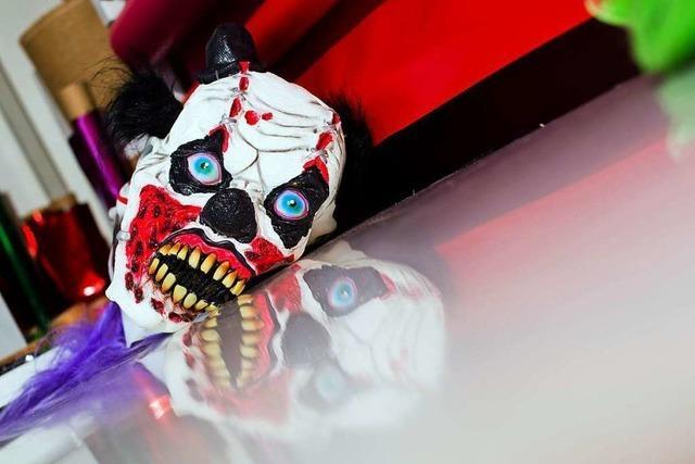 Horror-Clowns erschrecken Jugendliche bei Zell