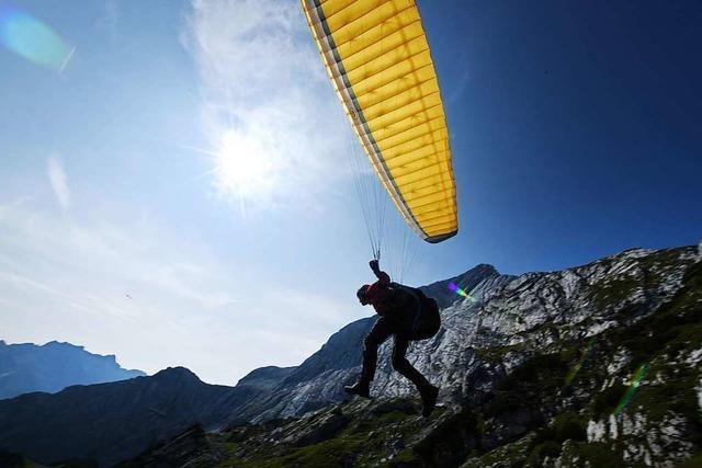 33-jährige Gleitschirmfliegerin muss bei Fröhnd notlanden