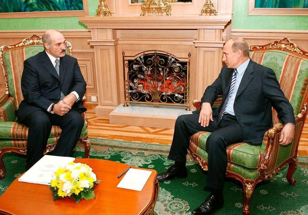 Der eine so wenig an einem Machtwechse...adimir Putin in Minsk im Oktober 2008.  | Foto: B3055 Tass Belta