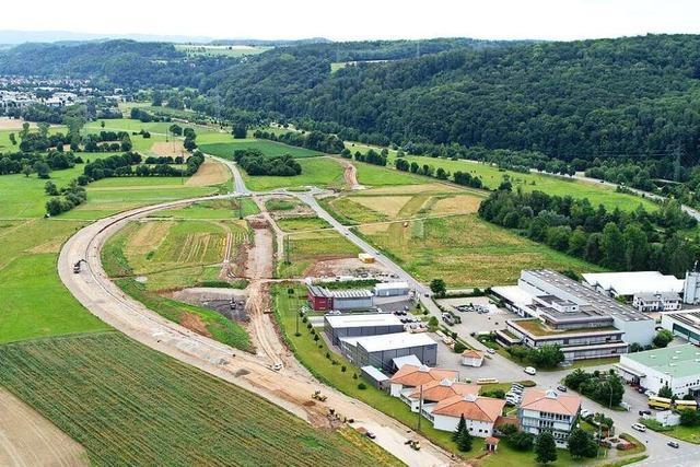 ED Netze verlegt Stromleitungen beim geplanten Zentralklinikum Lörrach