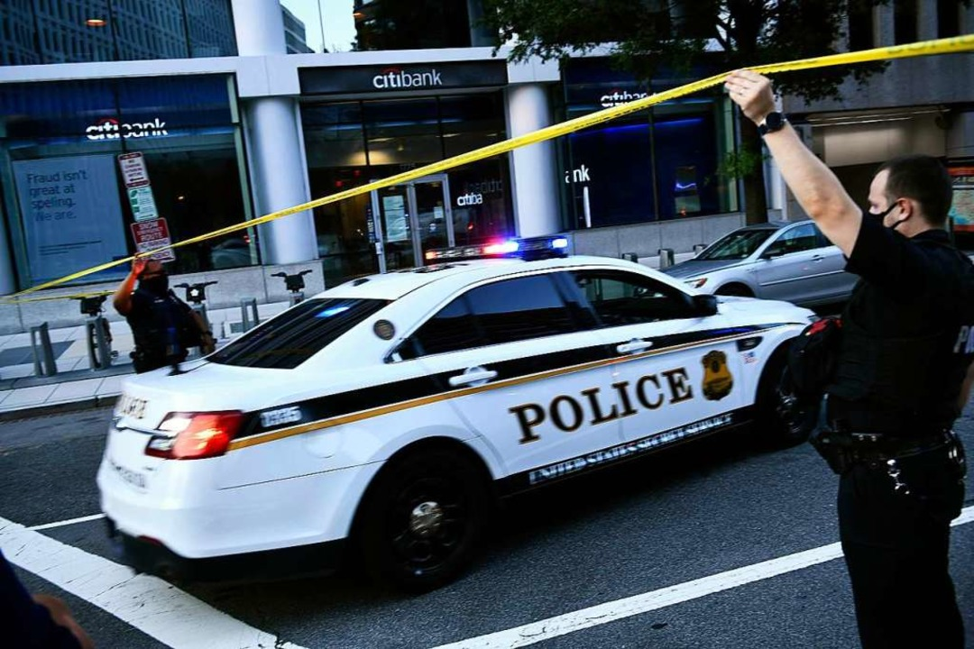 Rund um Das Weiße Haus in Washington lief ein großer Polizeieinsatz,    Foto: BRENDAN SMIALOWSKI (AFP)