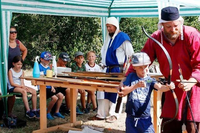 Mittelalterliches Bogenschießen im Seelbacher Ferienprogramm