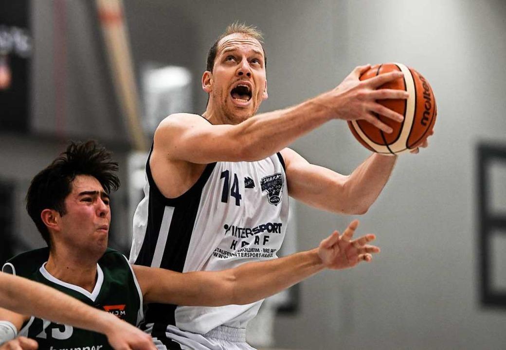 Tobias Tessmann (weißes Trikot) und se...e kommende Spielzeit viel vorgenommen.  | Foto: Patrick Seeger