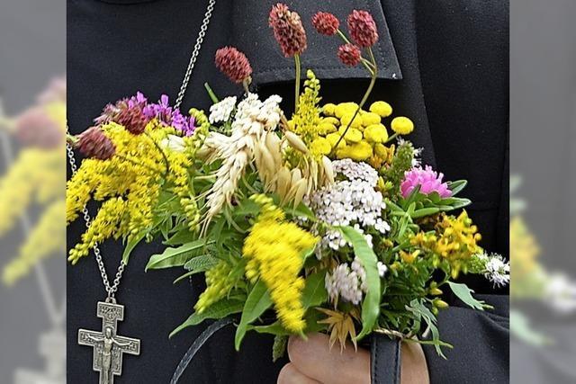 Kräuterbüschel zum Marienfest