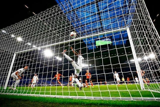 FC Basel scheidet aus Europa League aus und verkauft Torhüter Omlin