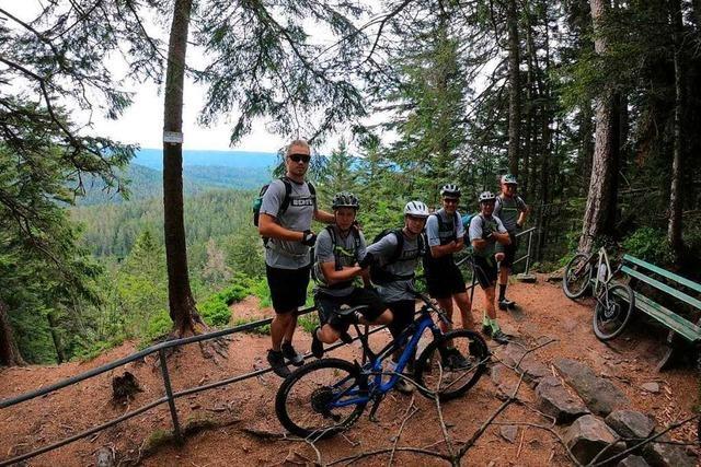 Feuerwehrleute aus Wieslet waren auf Mountainbike-Tour auf dem Westwanderweg