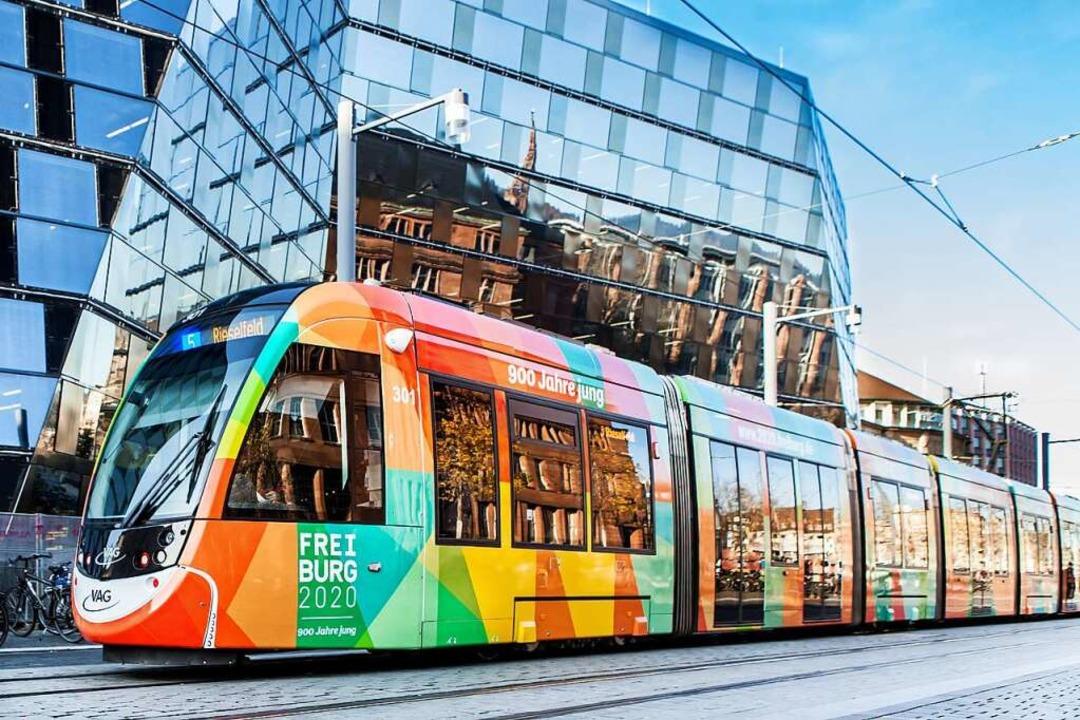 Das farbenfrohe Logo ziert auch eine der Freiburger Straßenbahnen der VAG.  | Foto: VAG_Anja Limbrunner