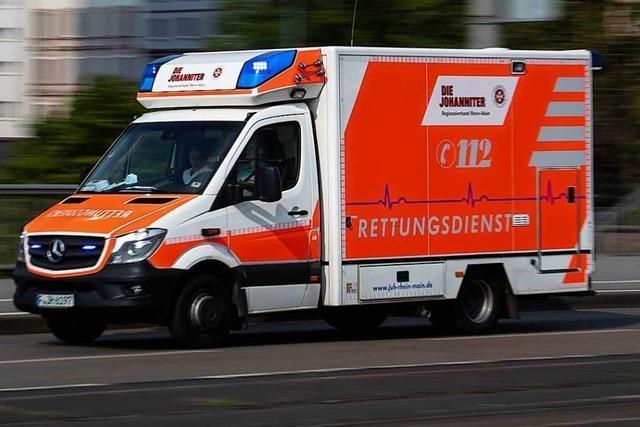 24-jährige Motorradfahrerin wird bei Unfall in Lörrach schwer verletzt