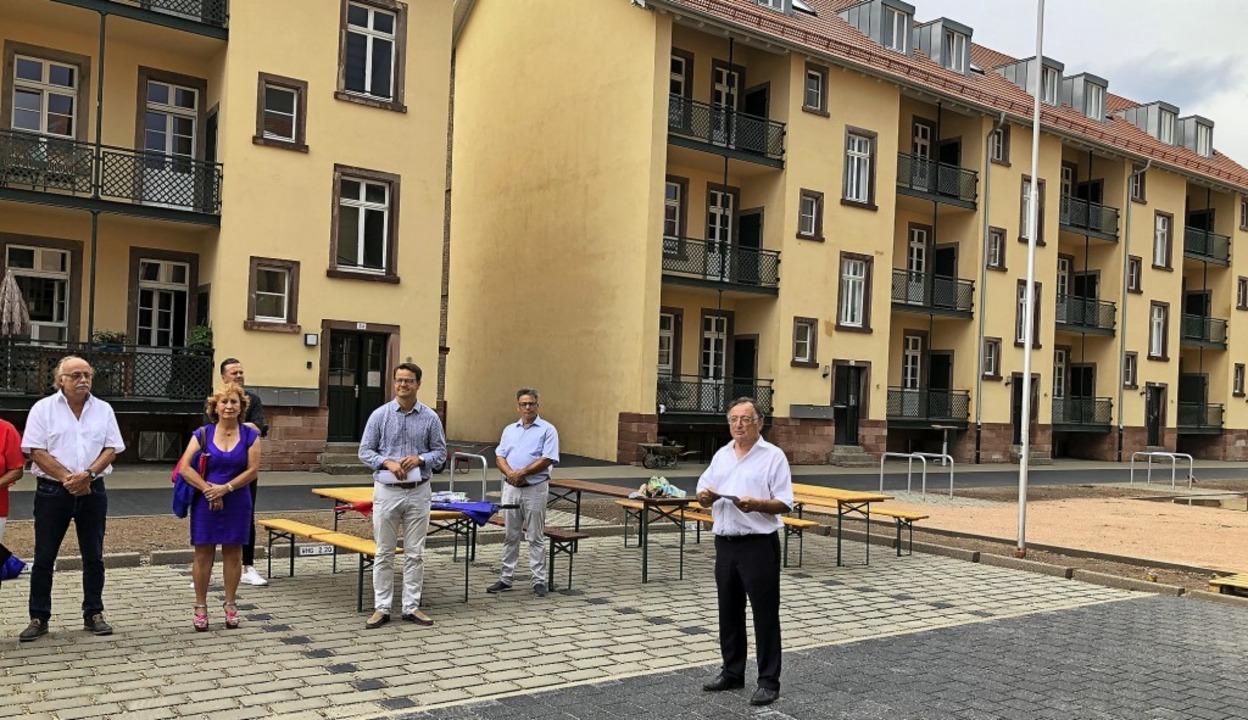 Investor Bruno Schwelling (r.) am Mitt...Offenburg um Wohnen auf Zeit ergänzt.   | Foto: Christine Storck-Haupt