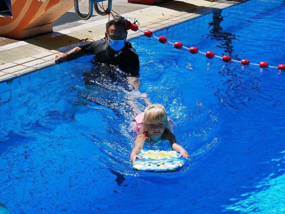 Kinderschwimmkurs im Neustädter Freibad.    Foto: Eva Korinth