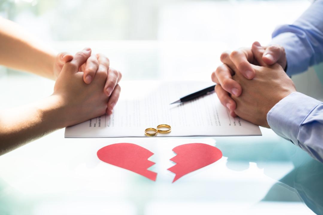 Knackpunkte beim Scheiden sind oft ganz konkrete materielle Dinge.  | Foto: Andrey Popov  (stock.adobe.com)