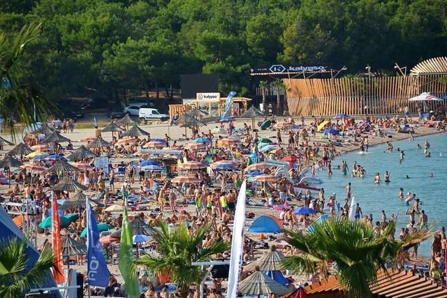 Warnung vor Partyurlaub nach Corona-Infektionen in Novalja