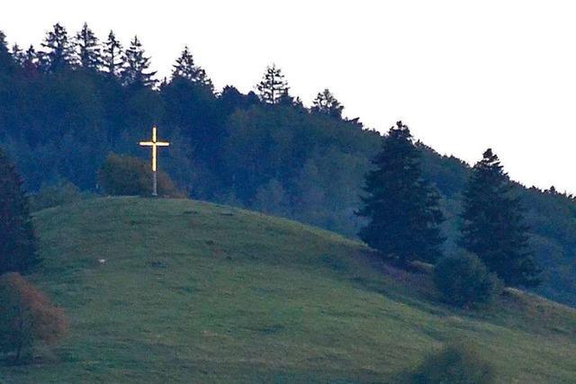 Seit zehn Jahren ist das Kreuz auf dem Köpfle an den Wochenenden beleuchtet