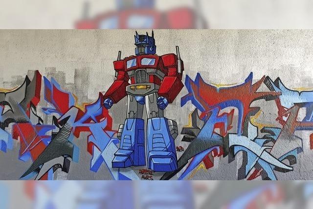 Transformer bewacht den Seepark