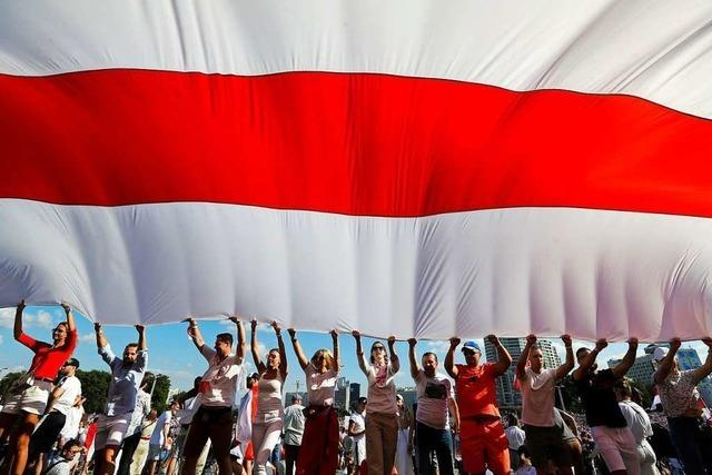 Zehntausende in Belarus gegen Polizeigewalt auf der Straße