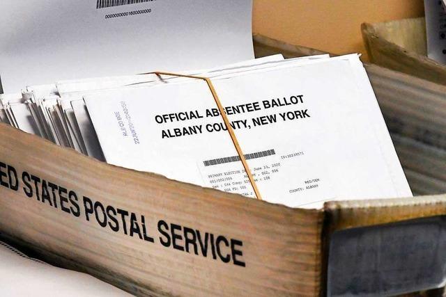 Trump befeuert Streit um Briefwahl, während die US-Post einen rigiden Sparkurs fährt