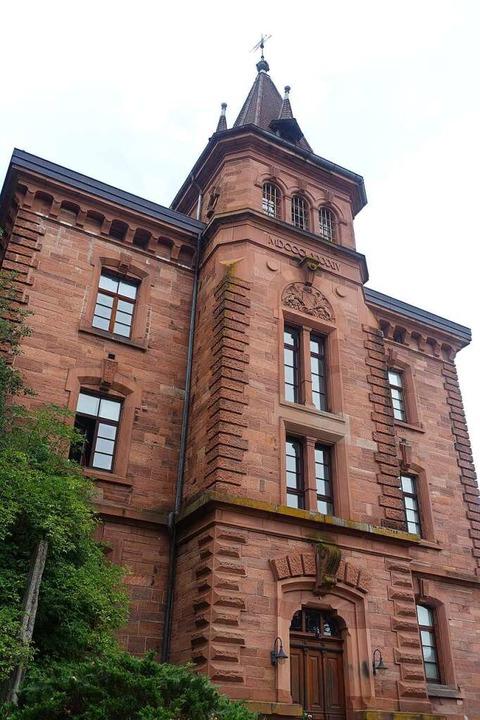 Die Baugeschichte des früheren Gefängn...buch der Stadt Schopfheim geschildert.  | Foto: Roswitha Frey