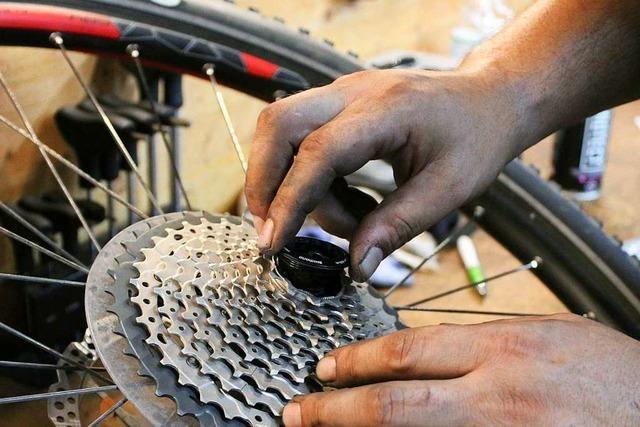 Wie arbeitet eigentlich ein Zweiradmechaniker?