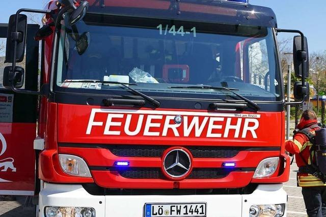 Fahrverbot für Lkw-Fahrer, der während des Pkw-Brands durch Rettungsgasse fährt