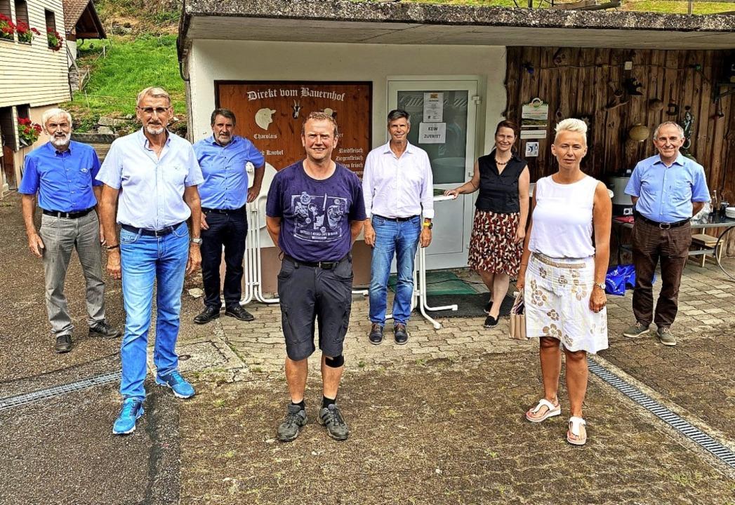 Beim Vor-Ort-Termin zur Höhenlandwirts...rzog, Silvia Breher und Walter Kemkes.  | Foto: privat