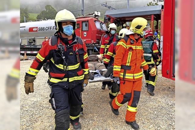 400 Einsatzkräfte proben Ernstfall im neuen Aargauer Eisenbahntunnel