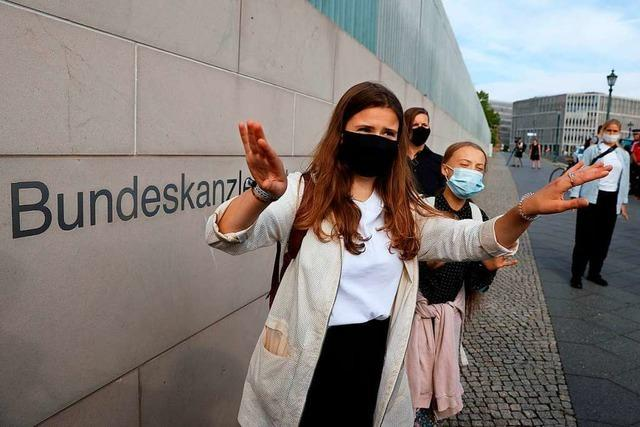 Klimaaktivistinnen drängen Merkel in Gespräch zu mehr Klimaschutz