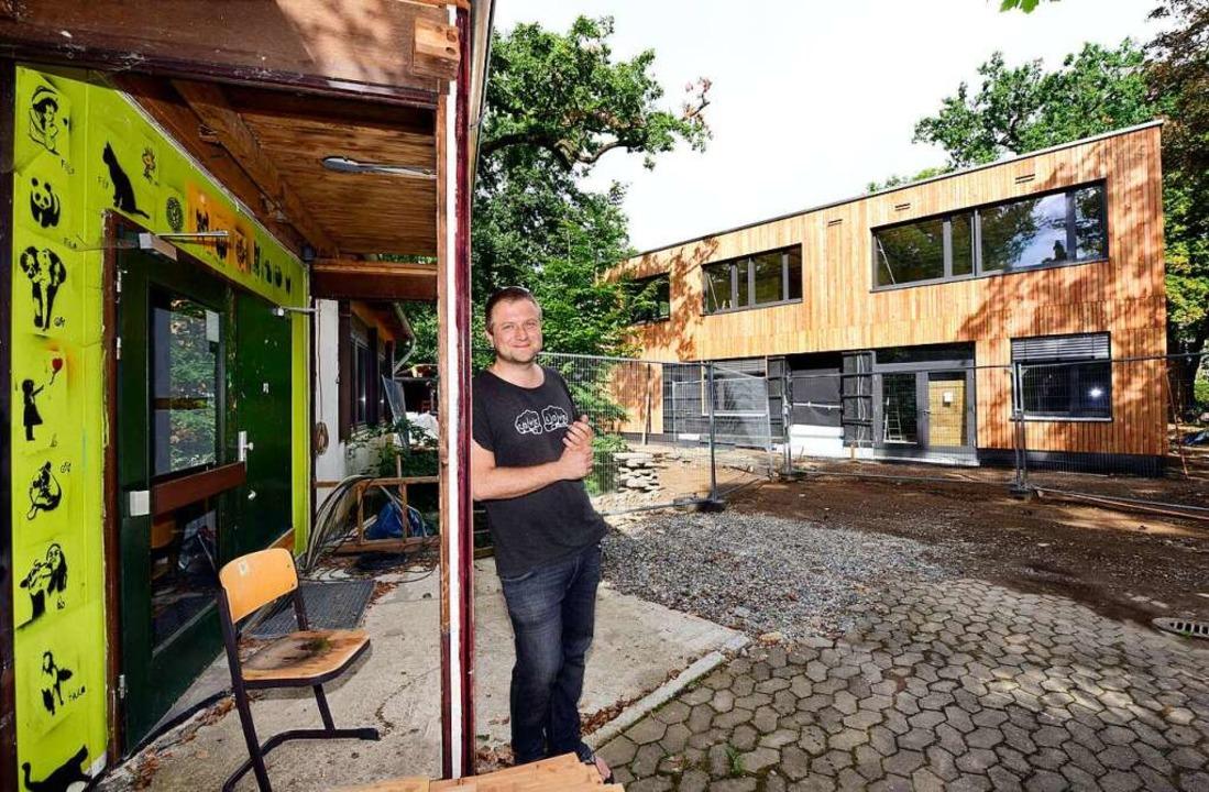 Alter Bestand und Neubau: Martin Truck...ituation an der Kapriole zu Bauzeiten.  | Foto: Thomas Kunz