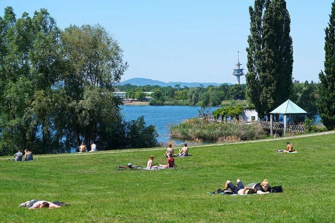 Im Flückiger See  im Freiburger Seepar...chen Badeunfall gekommen (Archivbild).    Foto: Fabian Vögtle
