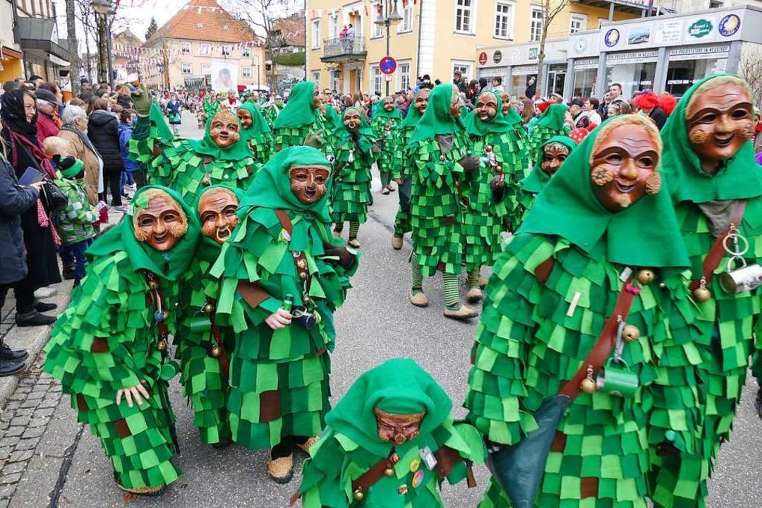 Die Waldschrättele aus Hölzlebruck beim Umzug 2020 in Neustadt.  | Foto: Peter Stellmach