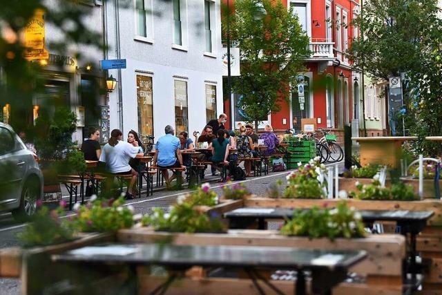 Freiburger Gastronomen fordern dauerhafte Außenbestuhlung – auch nach der Pandemie