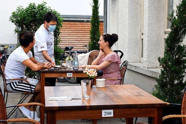 Wie Freiburger Gastronomen und Gäste die neuen Außenflächen nutzen