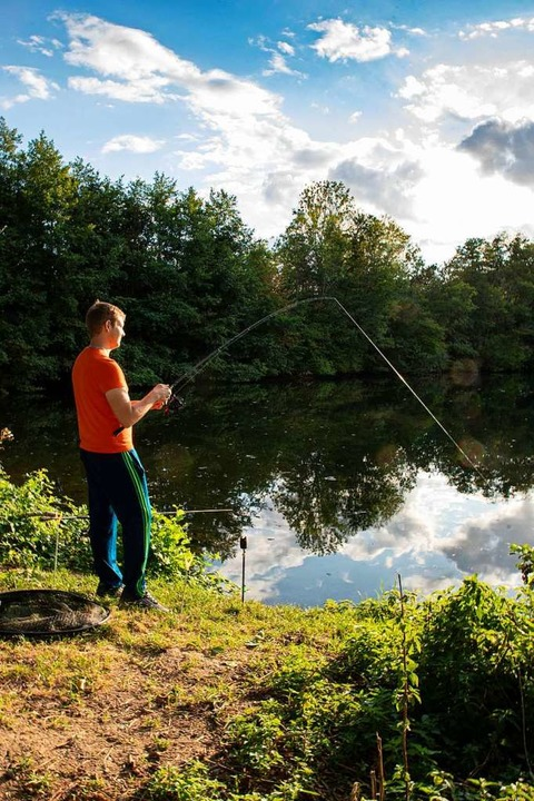Die Idylle trügt:  Trockenheit und imm...r bereiten Vörstettens Anglern Sorgen.  | Foto: Hubert Gemmert