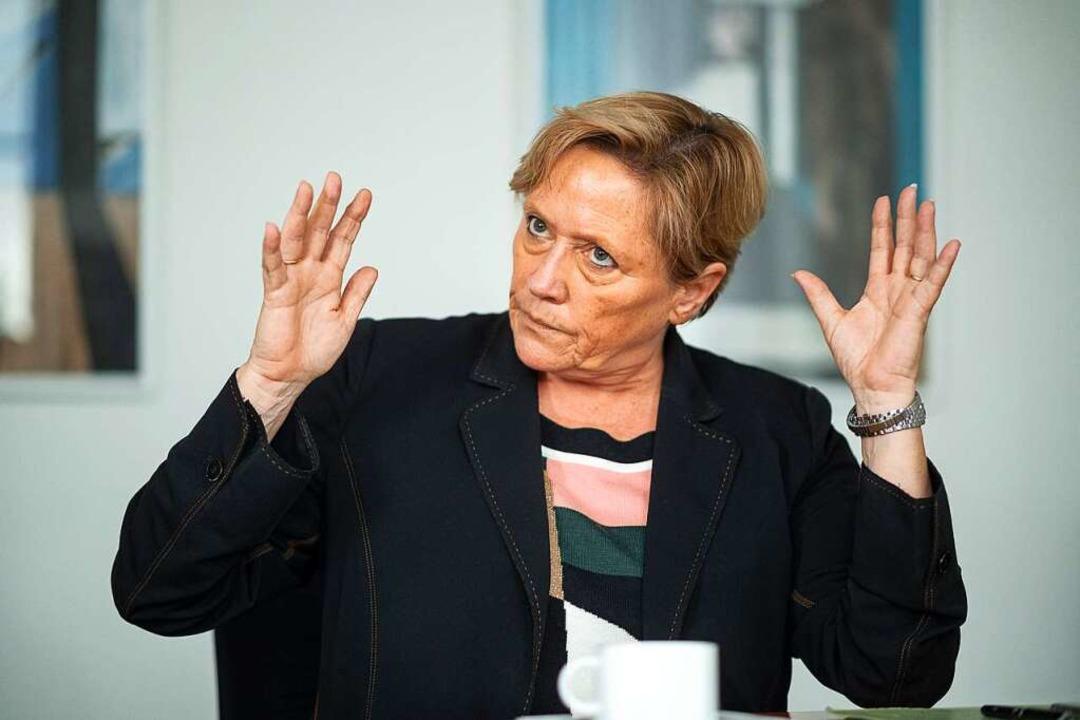 Susanne Eisenmann macht den Mundartschutz zur Chefinnensache.  | Foto: Sebastian Gollnow (dpa)