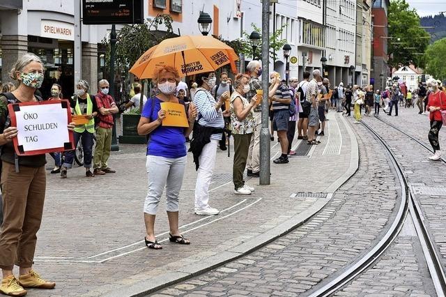 Menschenkette gegen ein Leben auf