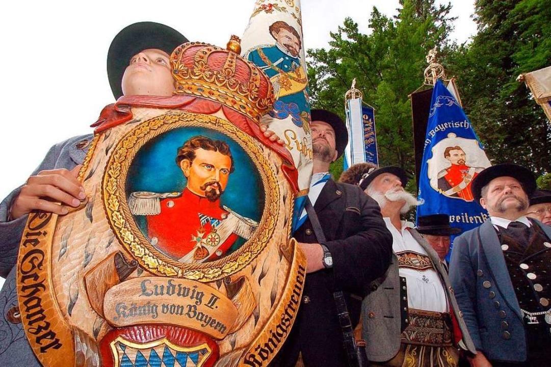 So verehren sie ihren Ludwig II. bis heute, die Königstreuen in Bayern    Foto: A3216 Peter Kneffel