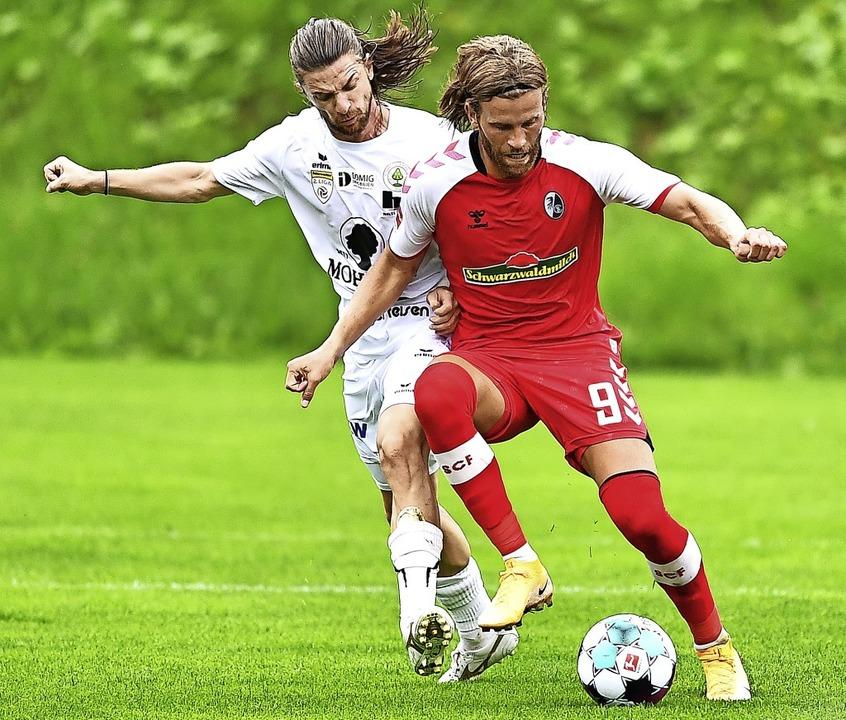 Lucas Höler (rechts) läutete mit dem 2.... Minute eine wahre Trefferserie ein.   | Foto: Achim Keller