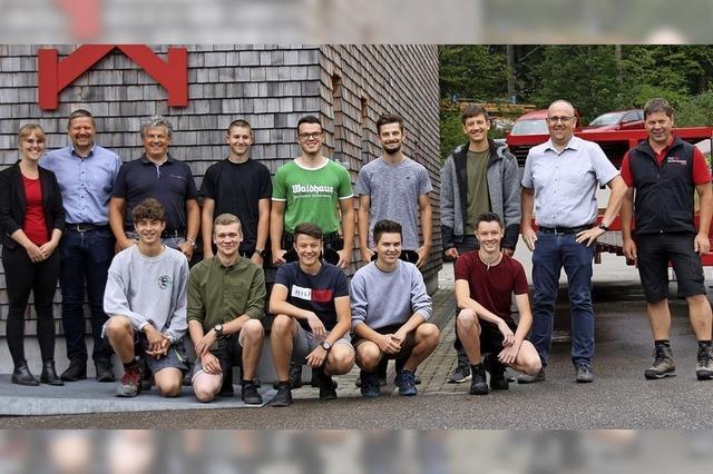 Neun Auszubildende bei Holzbau Kaiser